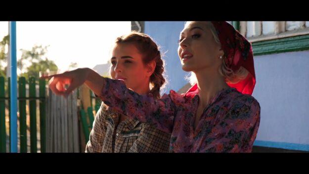 Lia Taburcean & Gloria Gorceag - Tudore перевод