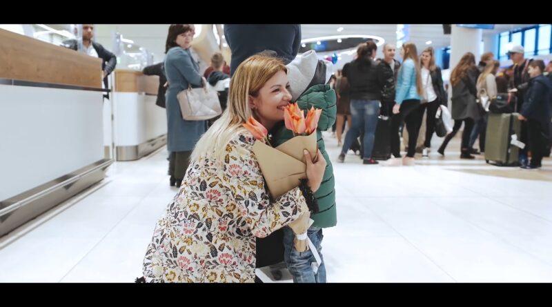 Marina Mihaila – Florile și Dragostea перевод