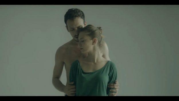 Click - De dragoste si razboi (перевод)