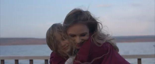 Ana Cernicova & Amelia Uzun - Mama перевод (старая и новая версии)